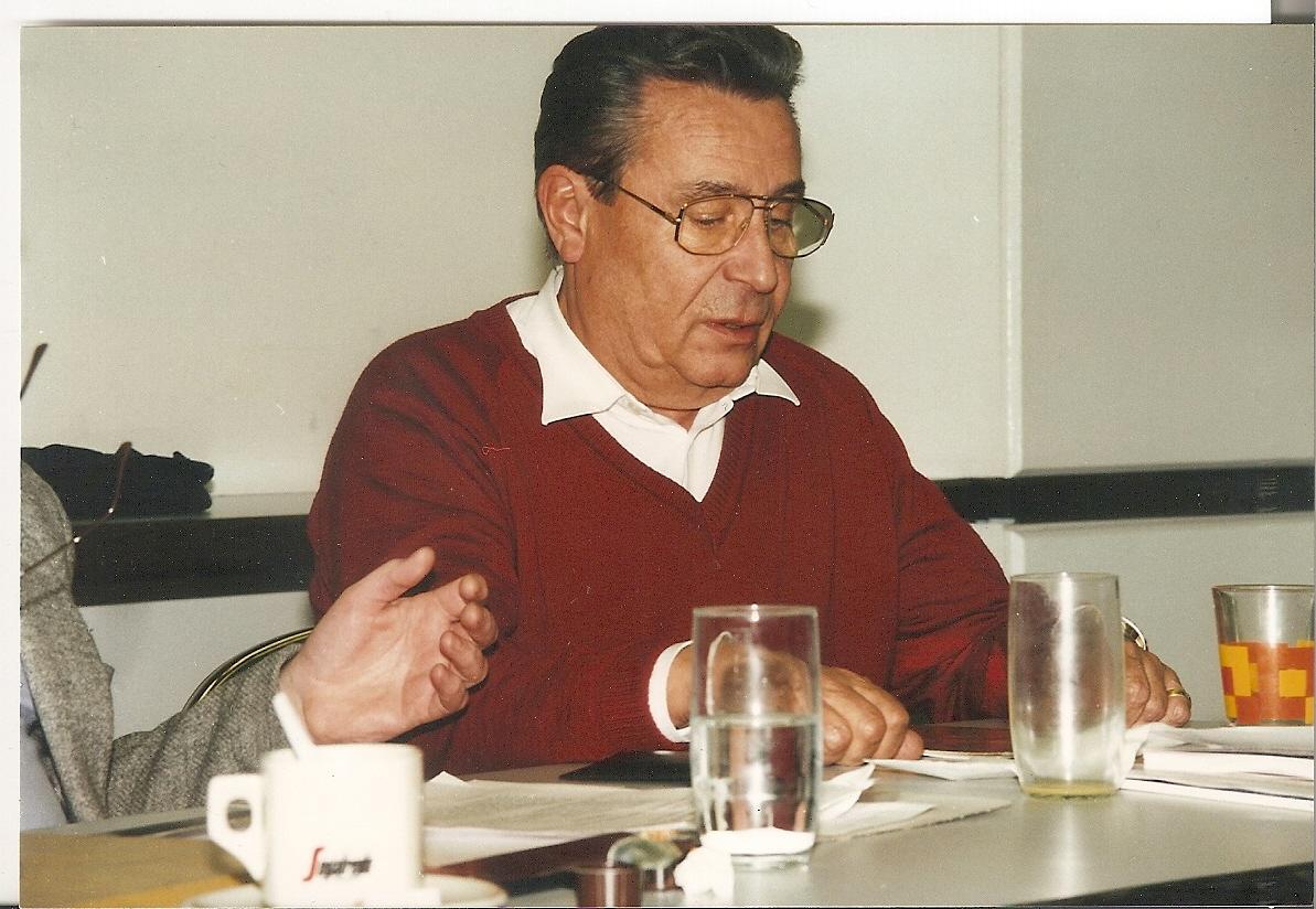 Heinz Brossmann bei einer AAC Sitzung
